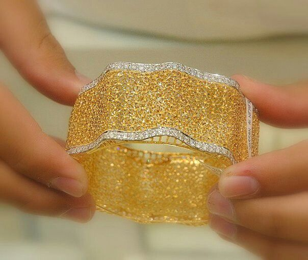 Jewellery Designs And Collections From Saudi Arabia I Wish They Knew How To Work On Gold Like This In The West