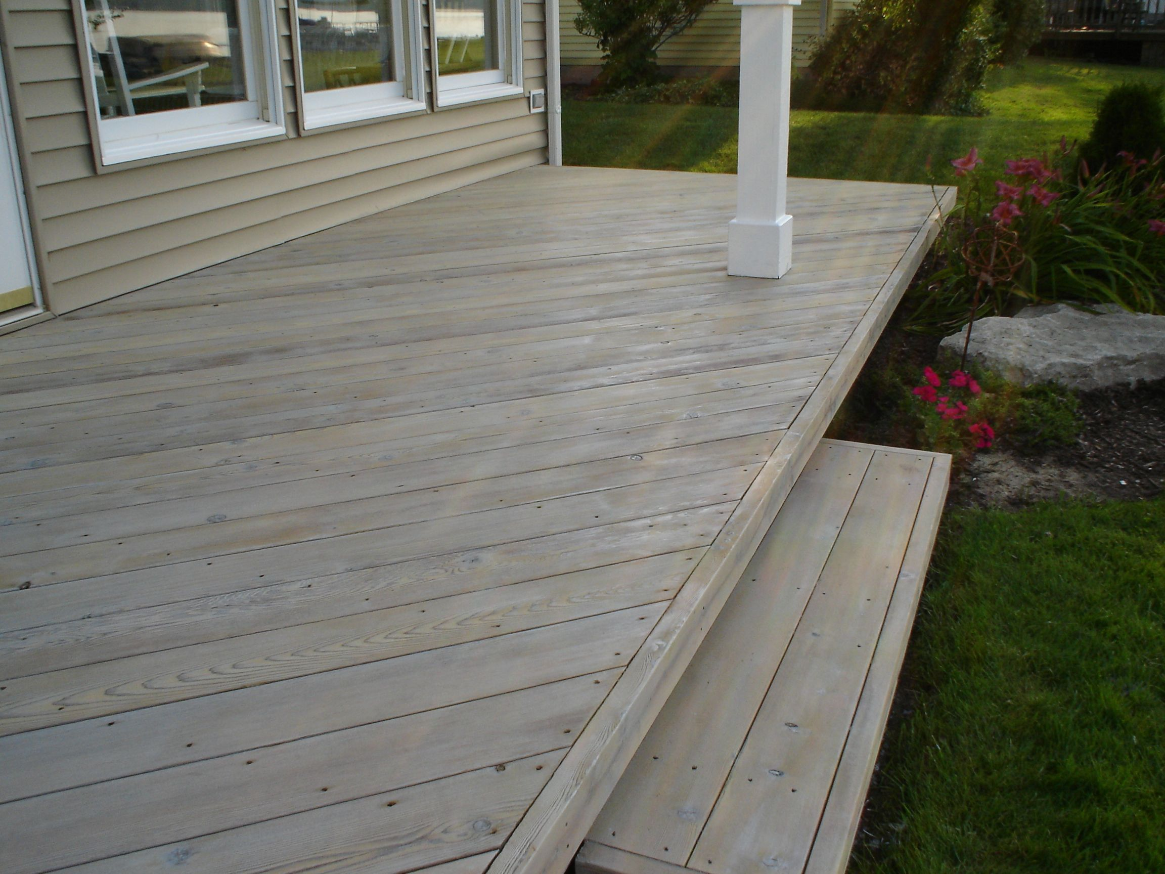 Grey Timber Stain Sikkens Cetol Hlse In Silver Grey Backyard In 2020 Staining Deck Deck Paint Patio Stain
