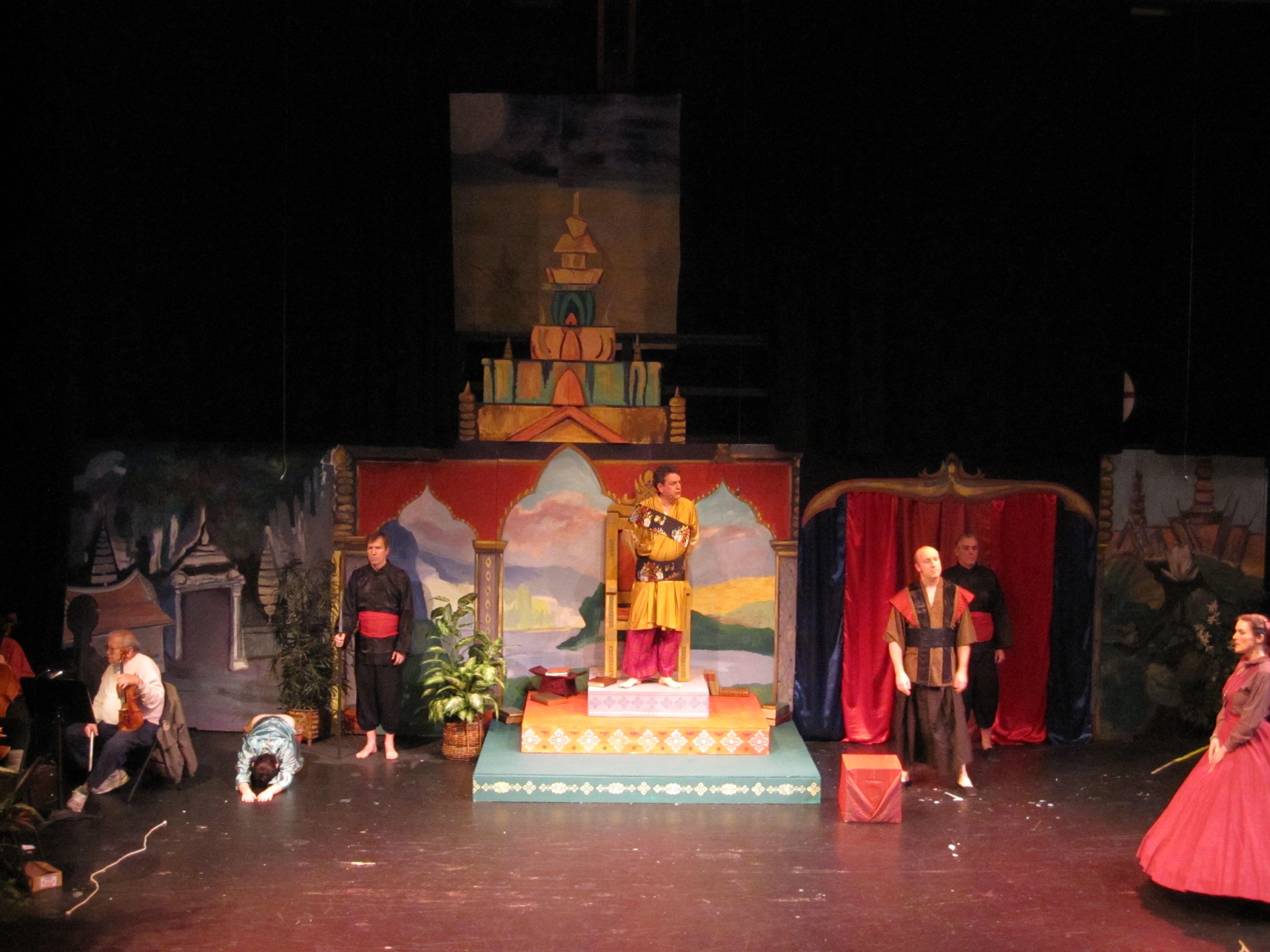 'King and I' set design by Kim Ford Kitz kimfordkitz.com