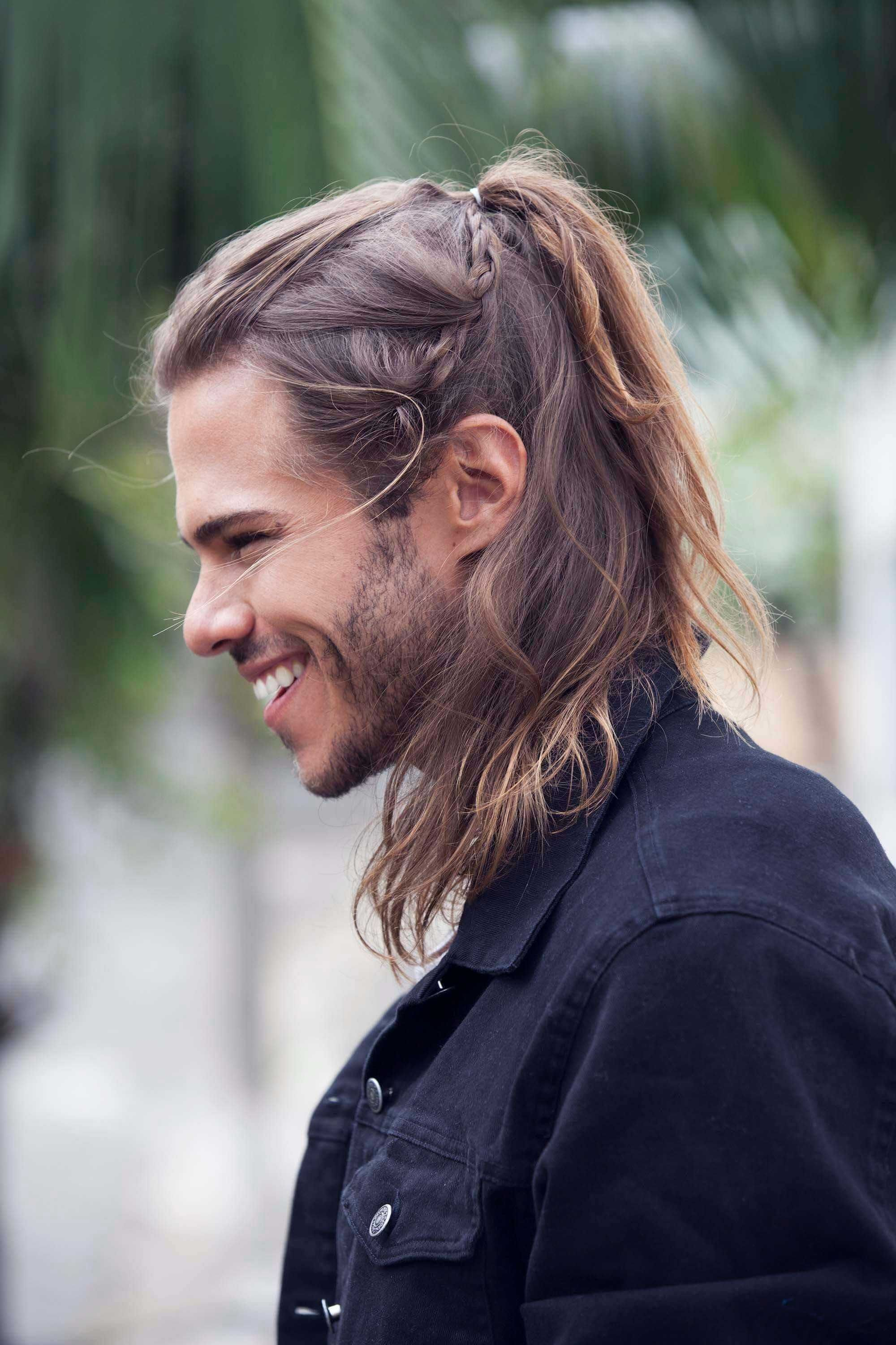 23 Macho Hairstyles For Men With Long Hair Manlikemarvinsparks Com Mens Braids Hairstyles Long Hair Styles Men Man Ponytail