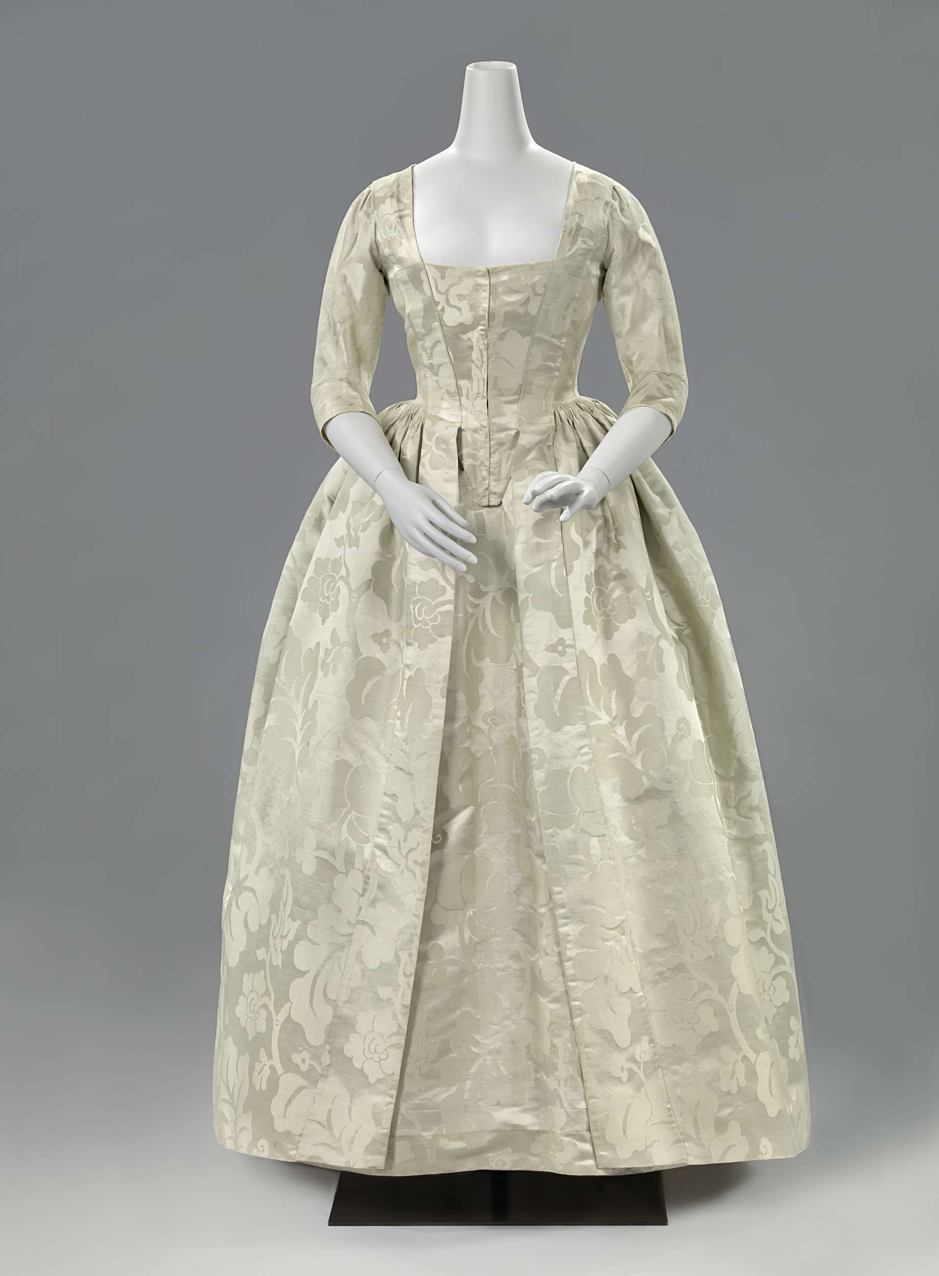 1770-1780 - Silk damask dress