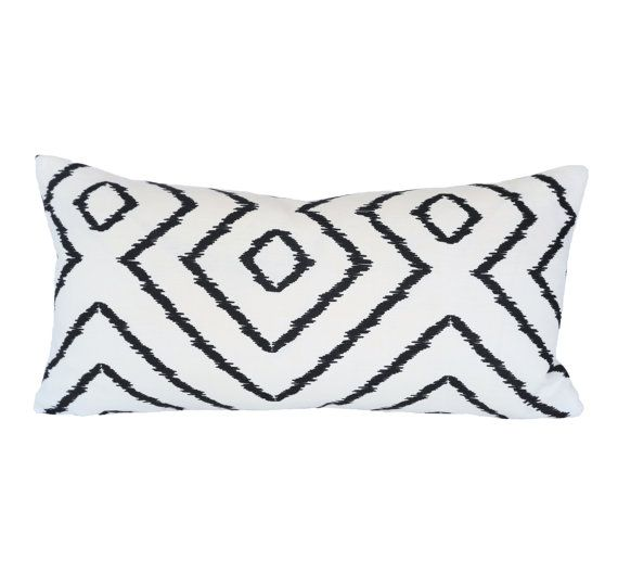 Chic Optical Diamond Maze Design In Black On An Off White Textured Linen Background This Listing Is For One 11x Black Throw Pillows Maze Design Throw Pillows