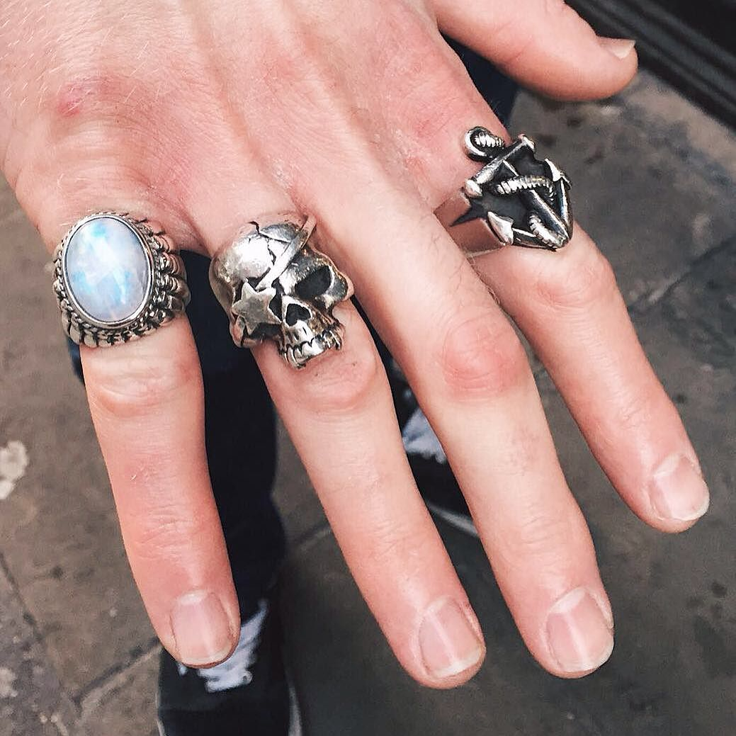 Well coordinated fist full of Great Frog - the Large Navajo Ring ...