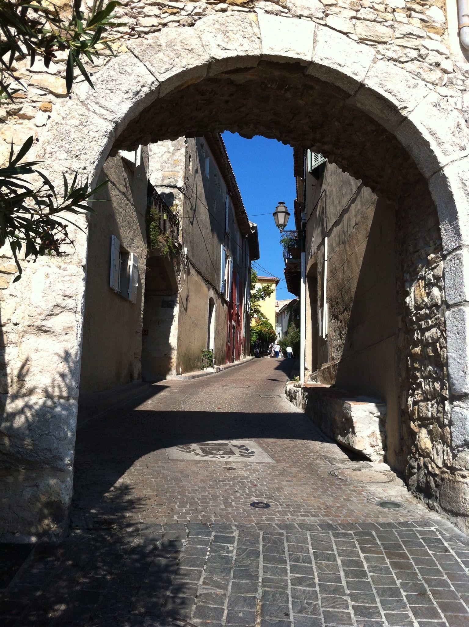 Le castellet, Provence Favorite Places & Spaces Places