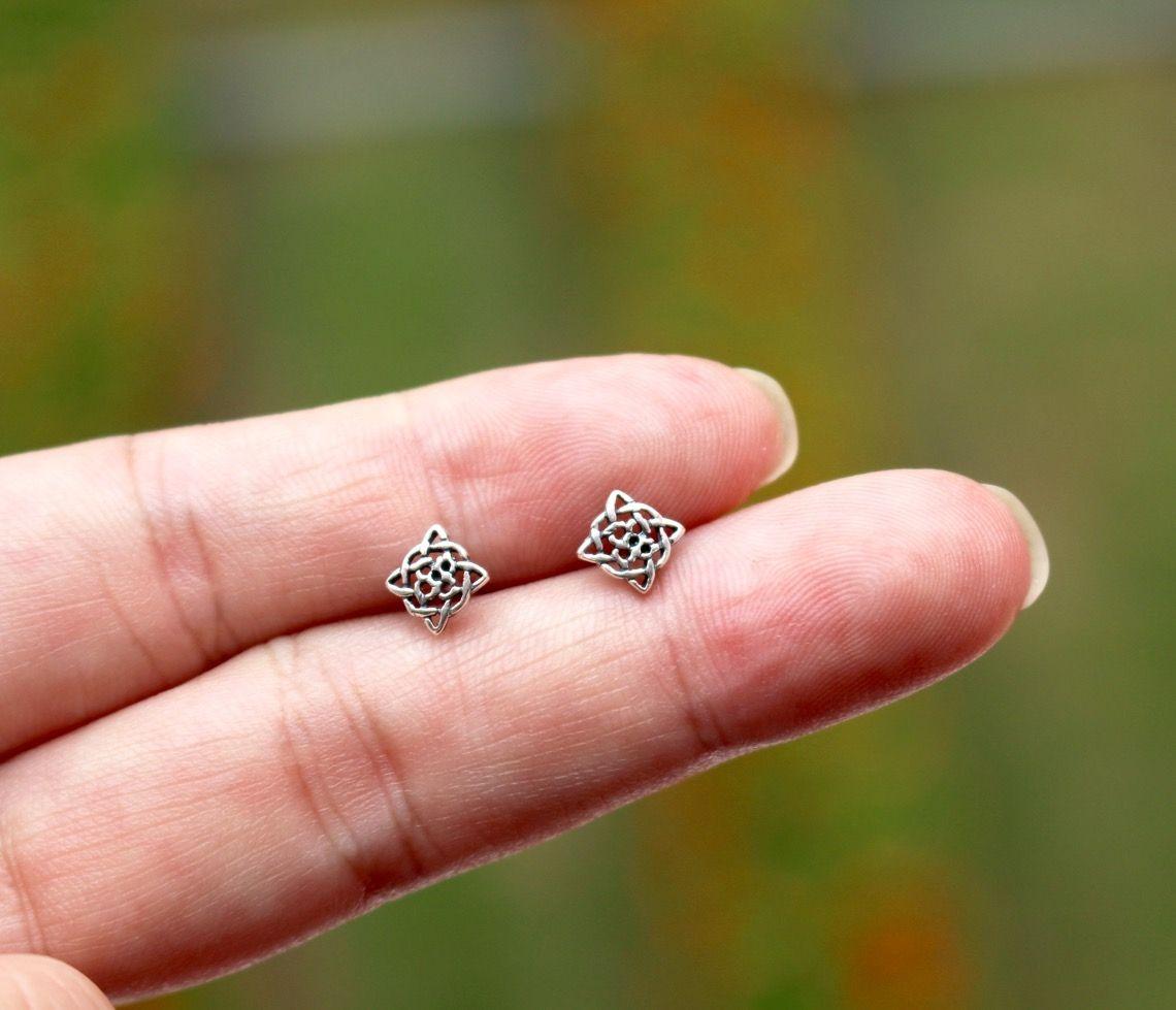 Celtic Shield Knot Earring | STUD EARRINGS | Pinterest | Minimalist ...