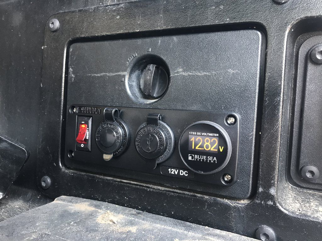 Blue Sea/ OGE Auxiliary Power Outlet System with Voltmeter | Tacoma