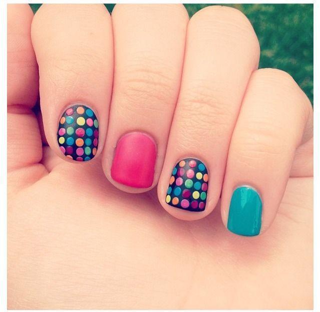 15 Diseños de uñas divertidos y llenos de color | Diseños de uñas ...