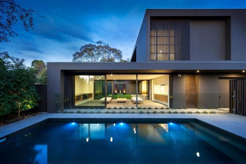 Maison design avec des couleurs chaudes Villas, Decoration and Modern