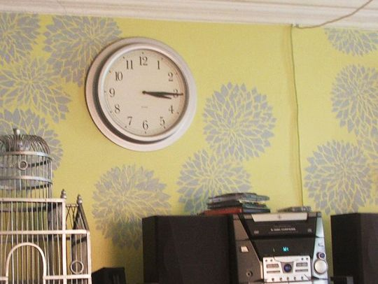 Cheap and Easy DIY Wall Decorating | Diy wall, Stenciling and Wall ...