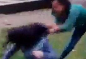 11-Jan-2014 19:09 - ZINLOOS GEWELD DOOR TIENERMEISJES GEFILMD. Op Facebook wordt hevig gereageerd op een video die al minstens een dag of drie de ronde doet. De beelden laten zien hoe twee tienermeisjes een...