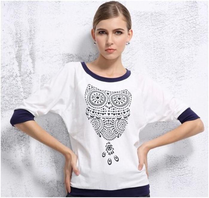Three quarter sleeves owl print t-shirt
