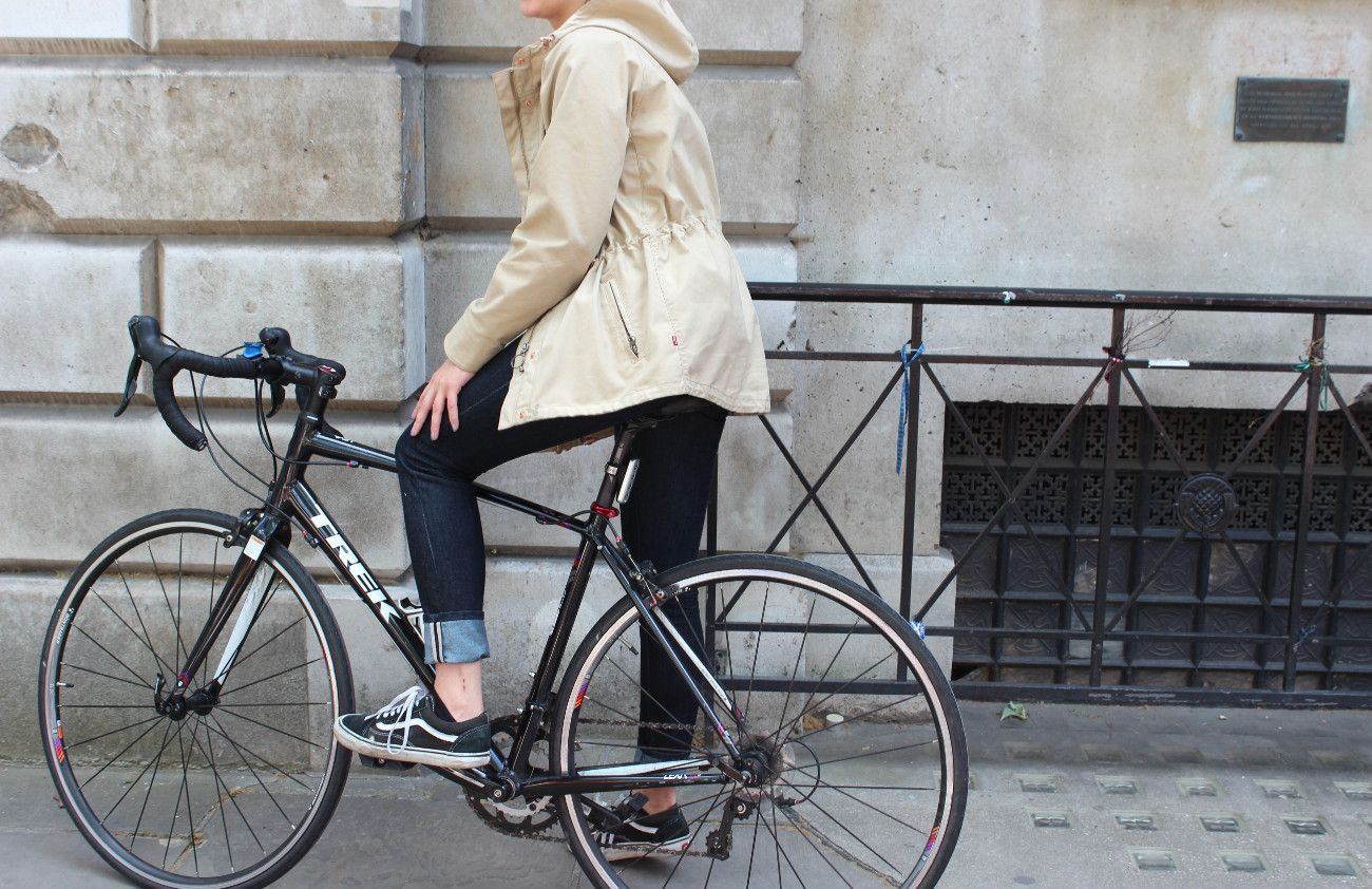 The levisbrand commuter skinny jeans are incredibly comfortable to cycle in and if you