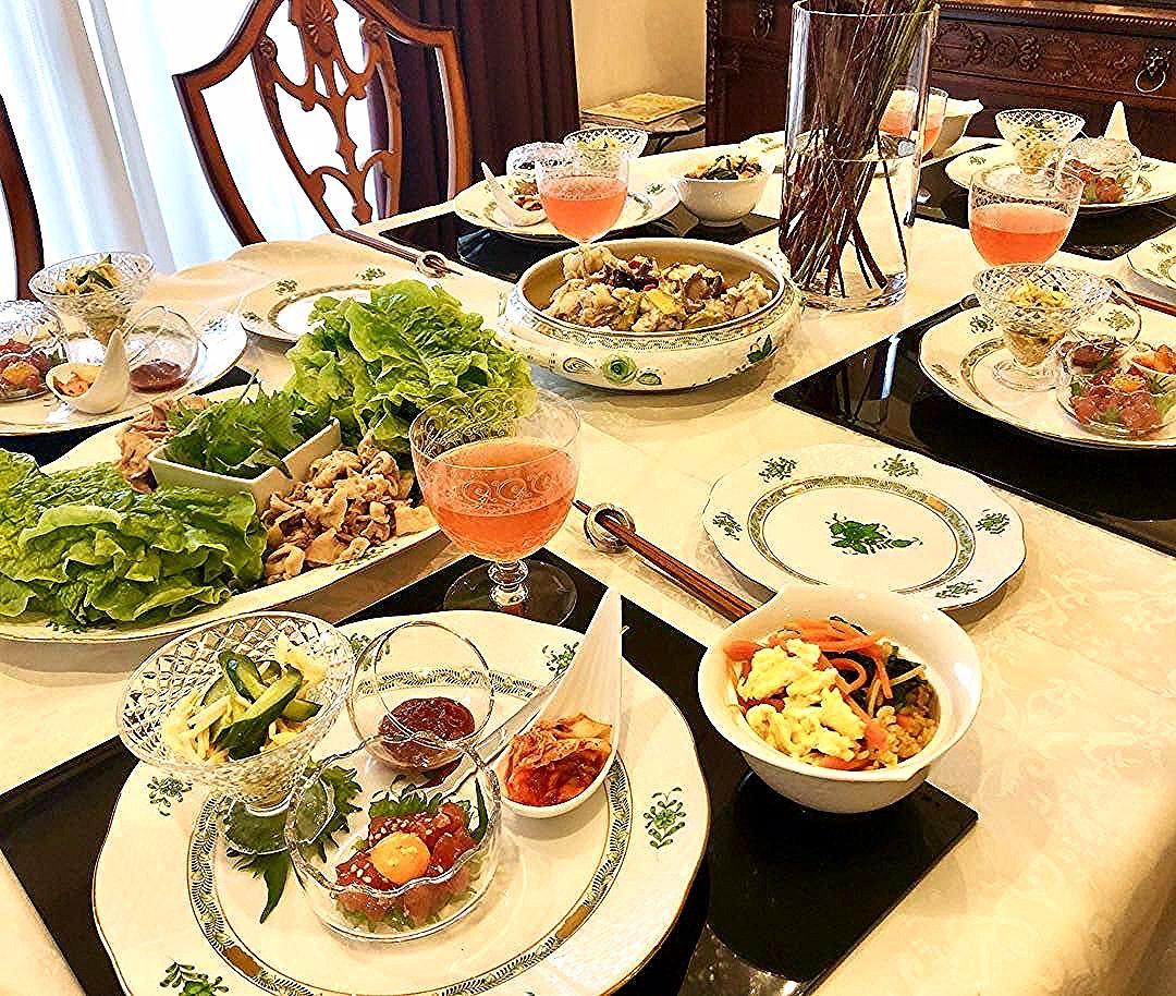 One of the fun of returning home temporarily ... Mother's hand cooking lunch  This time Korean dining room  Sanken-to Samgyop ... ,  ##recipes #cooking #dining #fashion #korean #kyoto #lunch #mama #mother #returning #temporarily #アクセサリー #イヤリング #インテリア #おうちごはん #オシャレさんと繋がりたい #カフェ巡り #カフェ部 #クッキング #シンプルコーデ #テーブルコーディネート #テーブルセッティング #ティータイム #プチプラコーデ #ヘレンド #ママコーデ #ママファッション #ママライフ #大人カジュアル #女の子ママ #家具 #旅行好きな人と繋がりたい #海外生活 #男の子ママ #着まわしコーデ #食器 #駐在妻