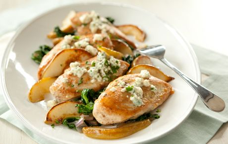 Baked Chicken with Spinach, Pears and Blue Cheese (#paleo if no bleu cheese is used)