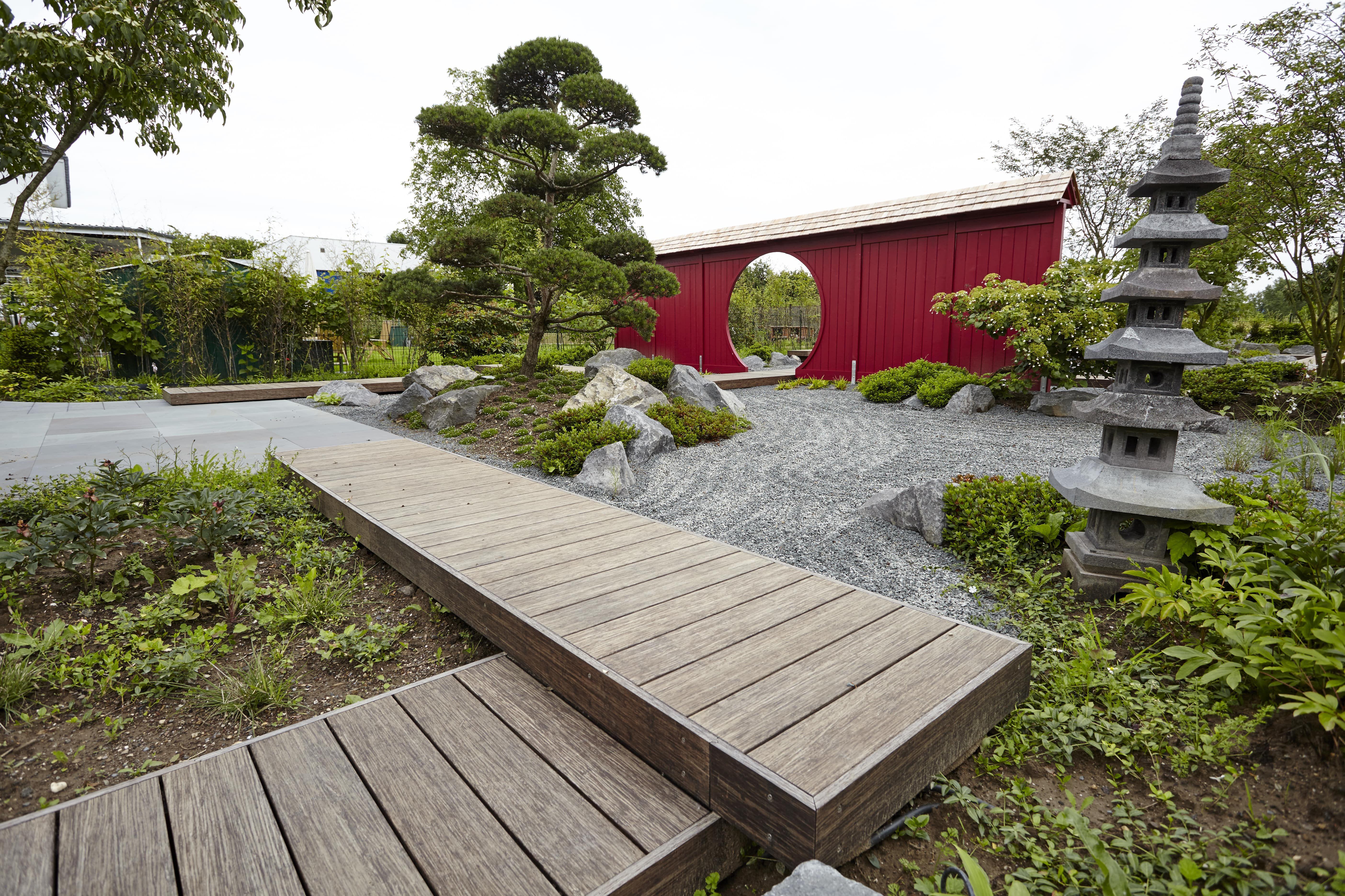 Japaischer Garten Von Rheingrun Traumhaftes Wohnen Im Aussenbereich Garten Moderner Garten Japanischer Garten