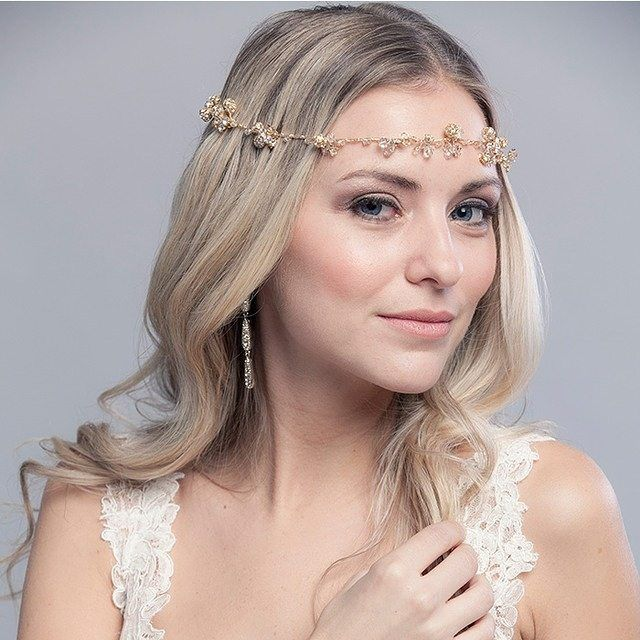 This delicate crown exudes grace and beauty, two important factors for your big day! Xoxo @weddingchicks #laurajaynebride #bridalhalo #bridalaccessories #instafollow #bohobride #wedding