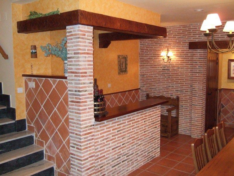 Bodega completa detalle barra de bar y paredes yesca - Arcos de ladrillo rustico ...