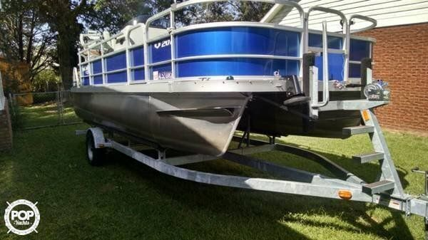Brilliant Like New Fish All Day In Comfortable Captains Chairs Or Alphanode Cool Chair Designs And Ideas Alphanodeonline