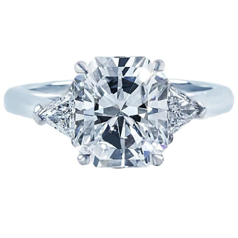 c4e1d547c Tiffany & Co. 2.73 Carat Radiant Cut Diamond Gold 3 Stone Engagement Ring    1stdibs.com