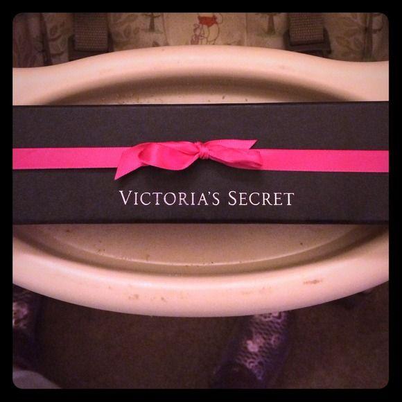 Victoria's Secret toggle bracelet Beautiful! Chunky. Toggle closure. Victoria's Secret Jewelry Bracelets
