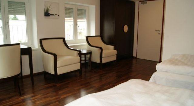 Hotel Linde-Sinohaus - #Hotel - EUR 44 - #Hotels #Österreich #Lustenau http://www.justigo.at/hotels/austria/lustenau/linde-sinohaus_49069.html