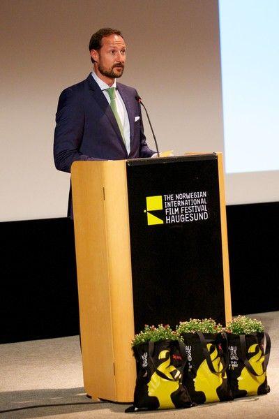 Foro Hispanico de Opiniones sobre la Realeza: El principe Haakon en el Festival Internacional de Cine de Noruega