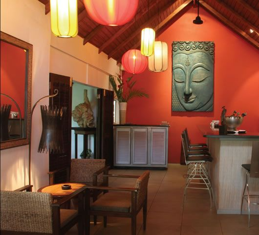 5 Tips How To Decorating An Artistic Home Office: Thai Style...Great Use Of Color To Create Inviting Small