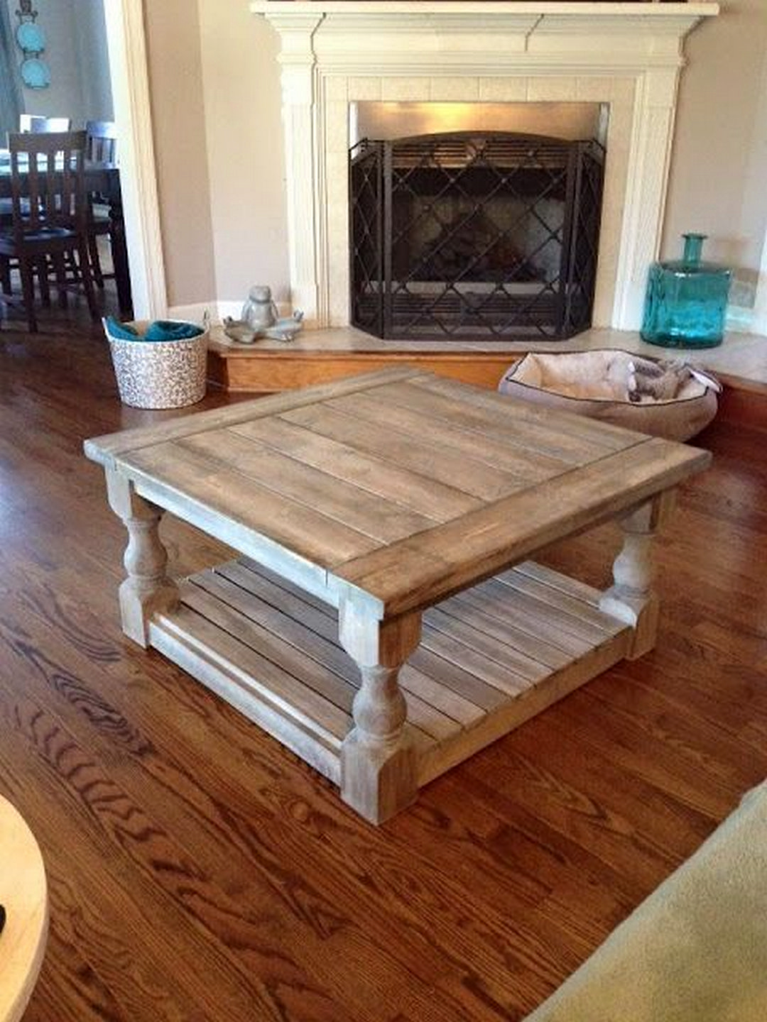 How To Decorate Your Coffee Table Design Like A Pro Easy Home Decor Coffee Table Made From Pallets Home Decor