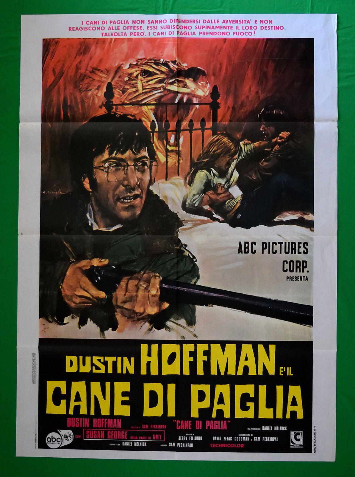 La Recensione Di Cane Di Paglia Straw Dogs Di Sam Peckinpah 1971 Con Dustin Hoffman Susan George Peter Vaughan T P Dustin Hoffman Film Stranieri Cani