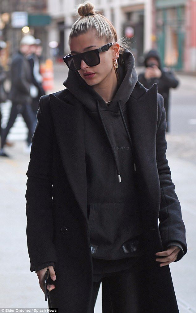 Photo of Hailey Baldwin steps out in all black to visit Bella Hadid