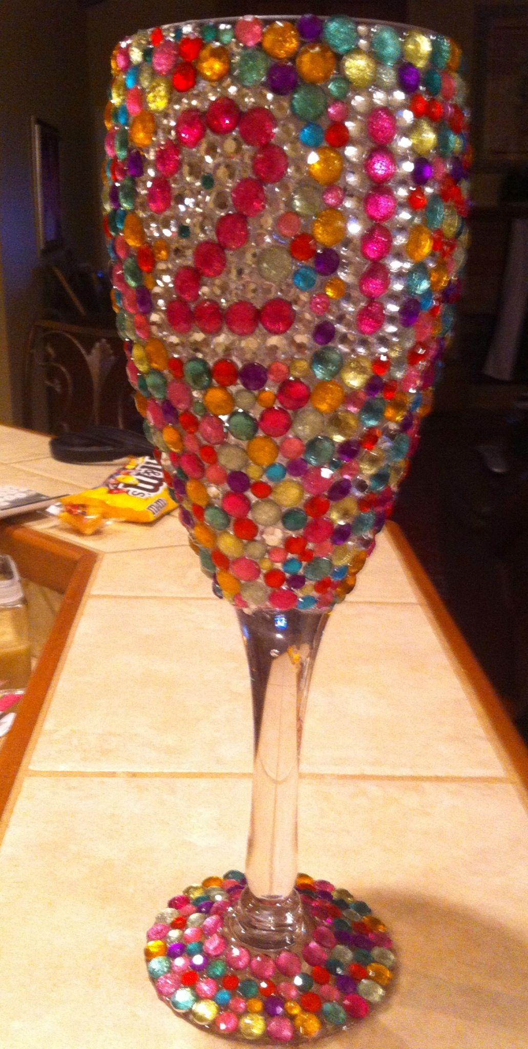 Pin By Vicki Mccarty On Diy Crafts Glitter Wine Glasses Sorority Crafts Custom Wine Glasses