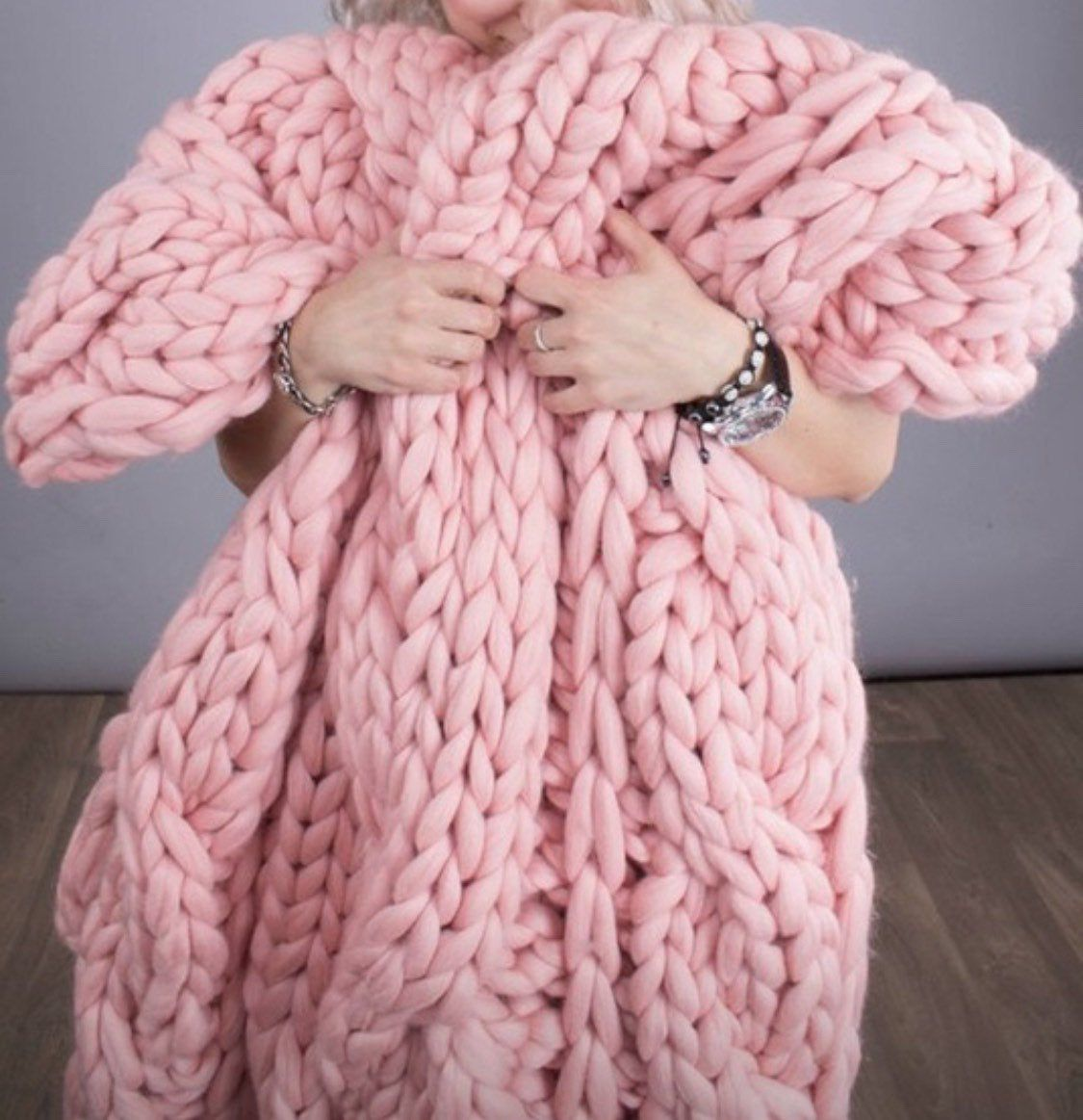 Thick wool blanket , hand knitted blanket , pink knitted