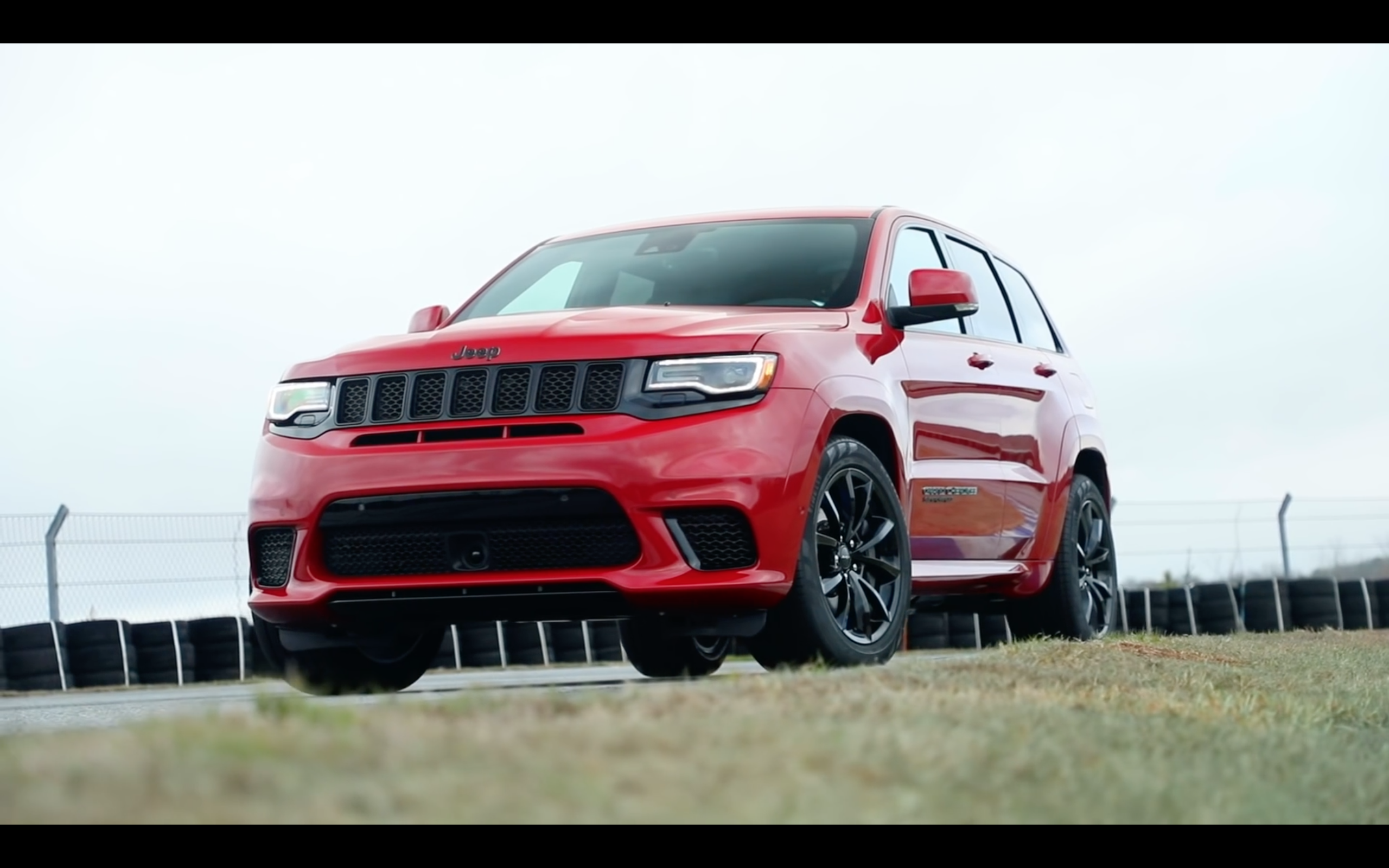Video Jeep Grand Cherokee Srt Trackhawk Running Footage Jeep