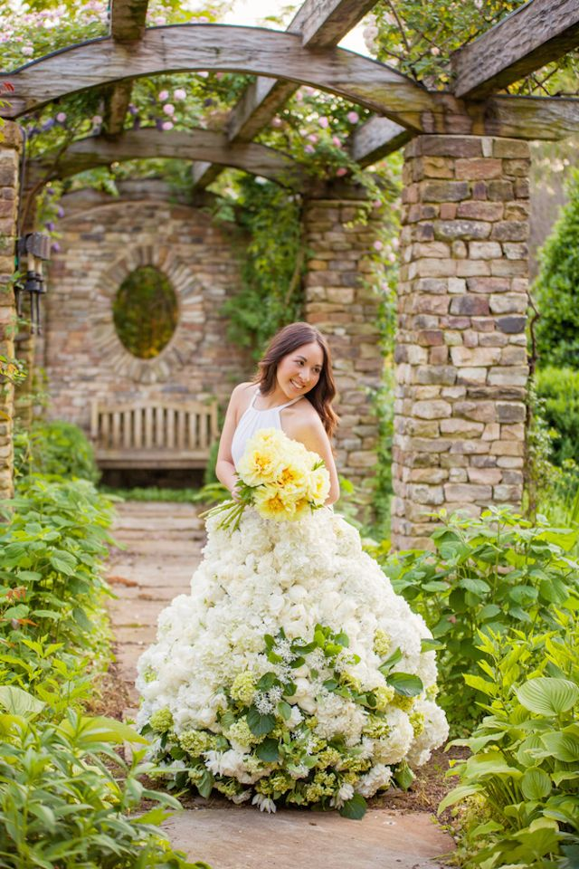 Fabulous living flower wedding dress