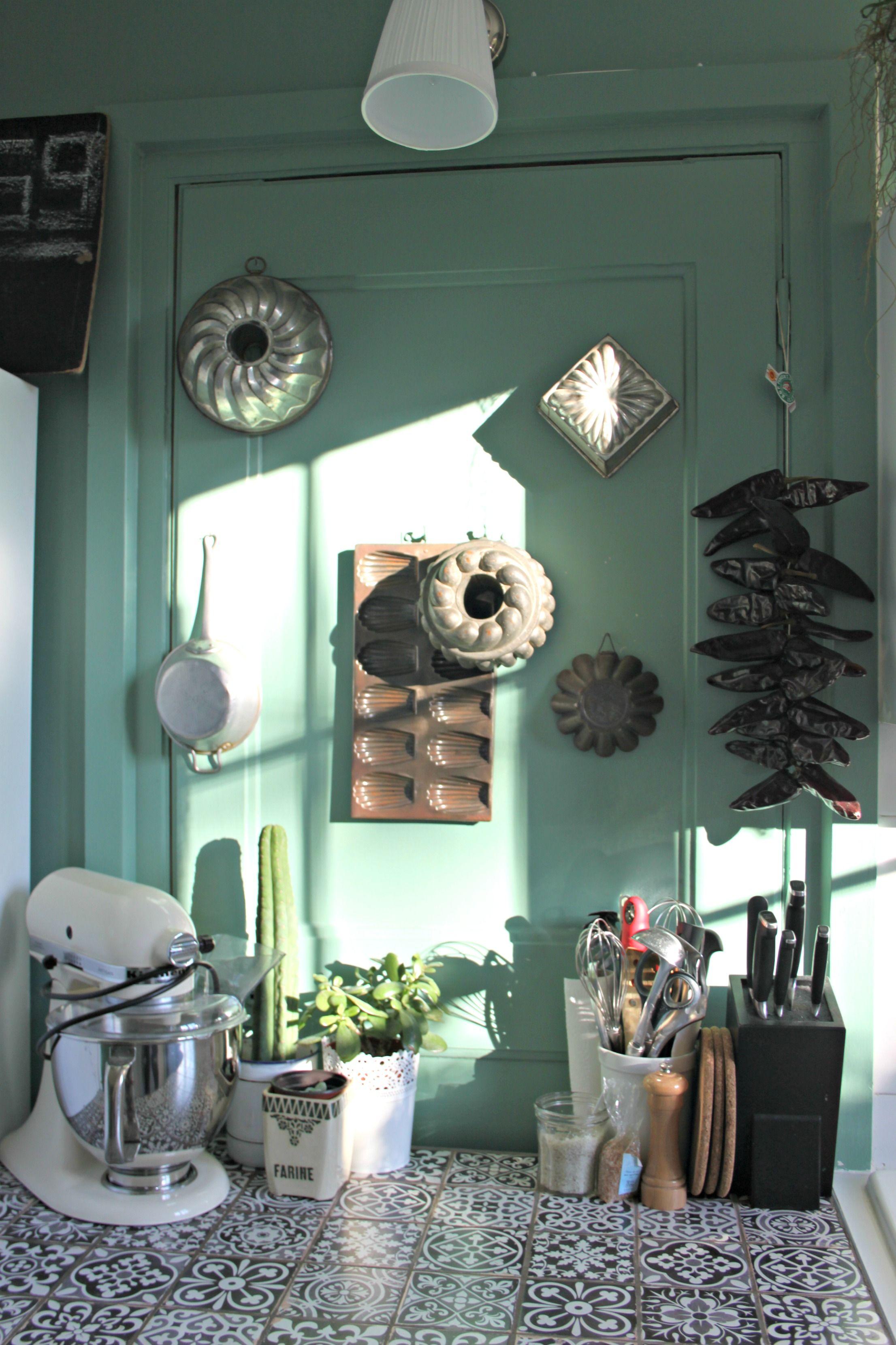 Cuisine Vintage Plan De Travail Carrelage Carreaux Ciment Mur Vert