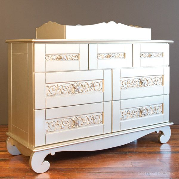 Bratt Decor Changing Table
