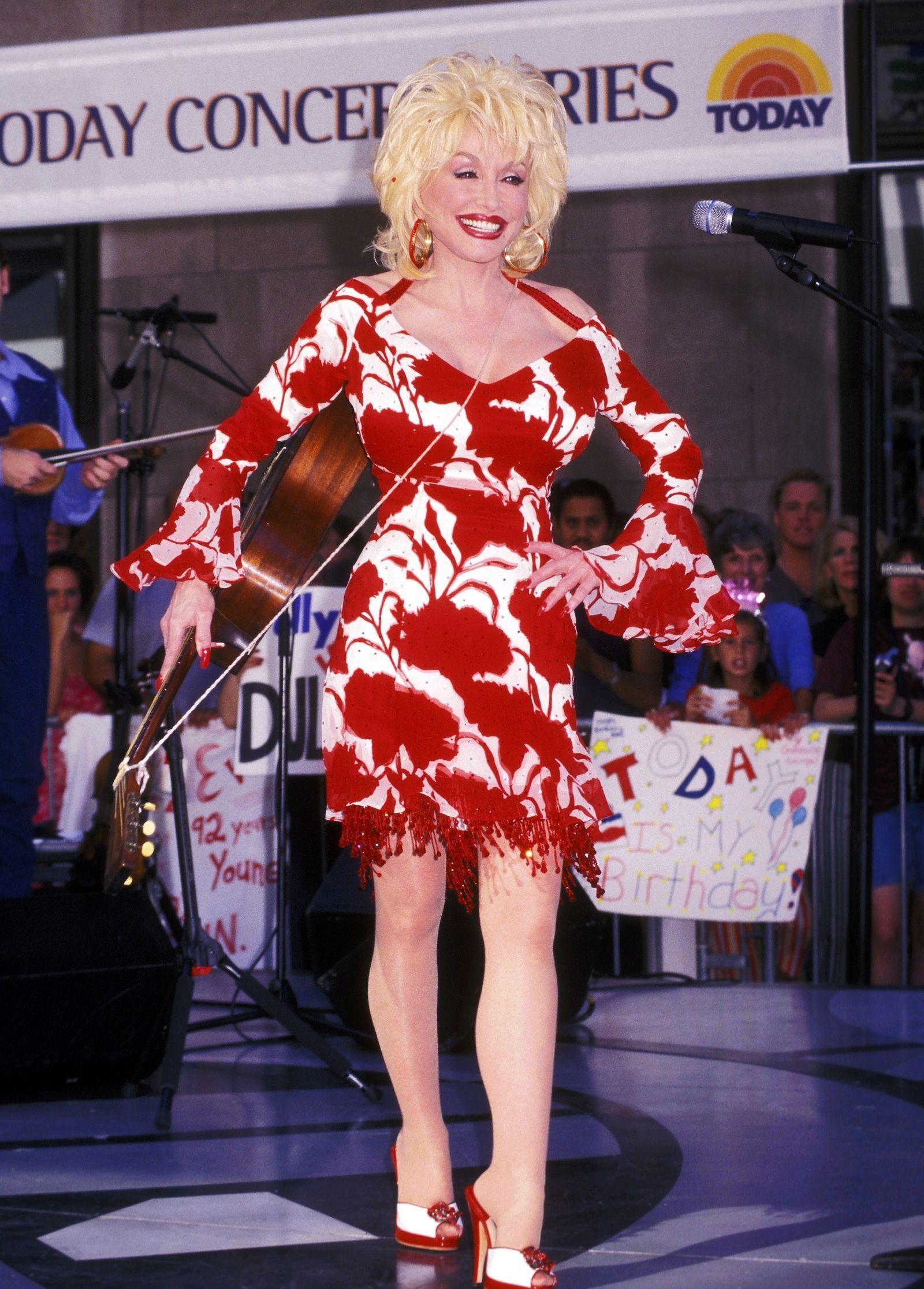 45 Vintage Dolly Parton Photos That Will Make You Want More Sequins in Your Life -  2002 – Cosmopolitan.com  - #asianwomen #badasswomen #dolly #Life #olderwomen #parton #photos #sequins #vintage #womenback #womencrush #womenfrases #womenprofile #womensilhouette #womenstyle #womensuit #wonderwomen