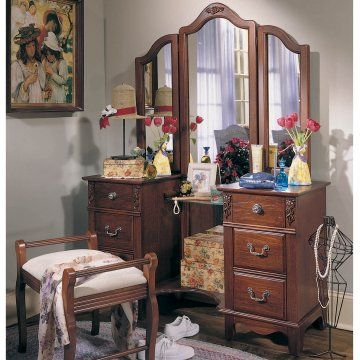 Antique Treasures Bedroom Vanity Set Www Hayneedle Com Bedroom