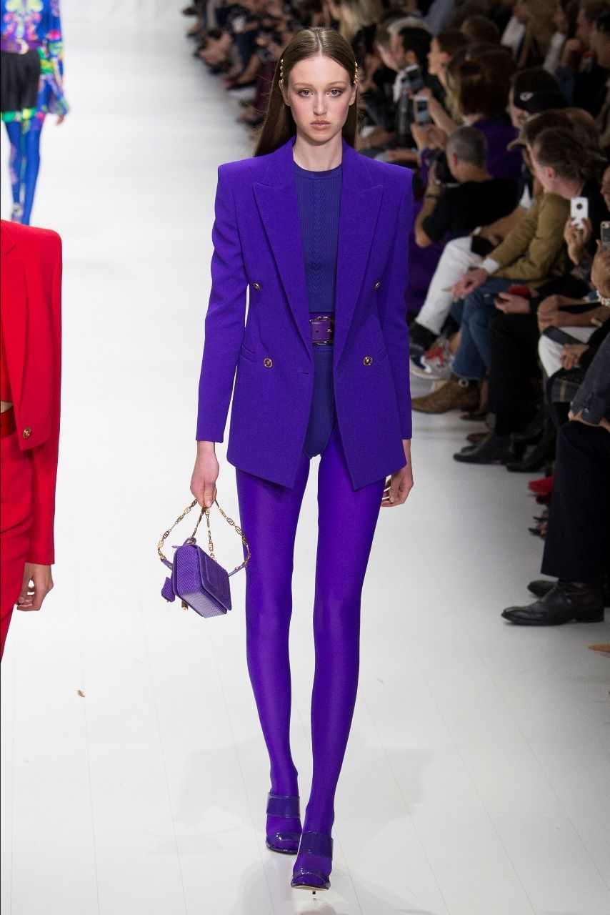 f6159db6edc Versace фиолетово-бордовый цвет костюма