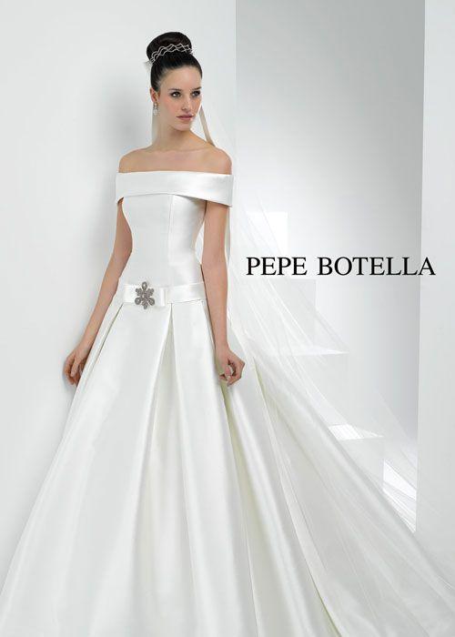 Pepe Botella Bridal in Cologne by ANNA MODA.   Brautmode   Pinterest ...