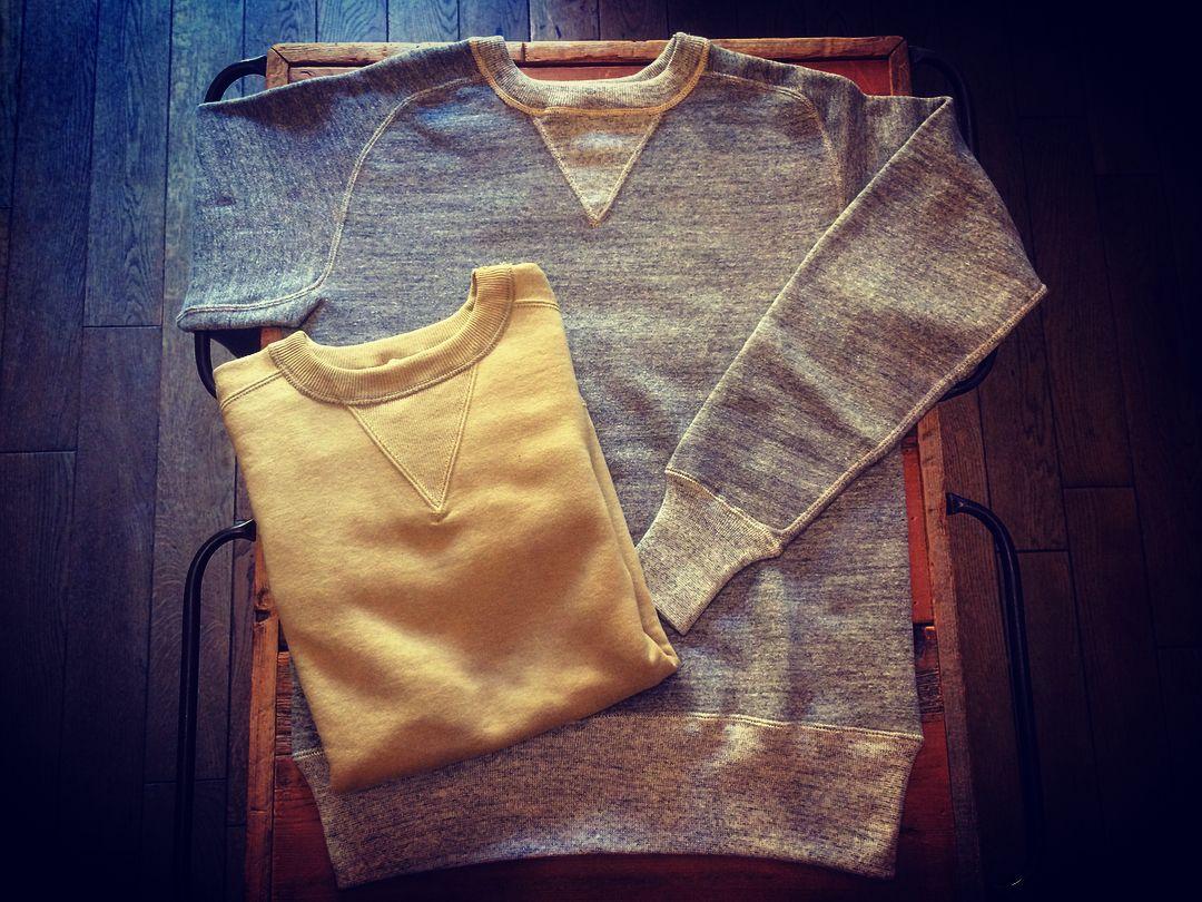 """Lot 404 """"フリーダムスリーブスウェット"""" 肩から袖への縫い付けが曲線を描く「フリーダムスリーブ」と呼ばれるスウェット。  すっごく良いっ!! みんなが欲しいヤツ!  #fleedamsleeve#sweat#sweatshirts#スウェット#フリーダムスリーブ #mens#mensstyle#menswear#mensclothing#mensfashion#mens#americancasual#fashion#warehouse#warehousenagoya#warehouse名古屋店#warehousecompany#warehouseco#コジャスタグラム#コジャスタ#アメカジ#アメリカンカジュアル#ファッション#メンズファッション#メンズスタイル#メンズウェア#メンズスナップ"""