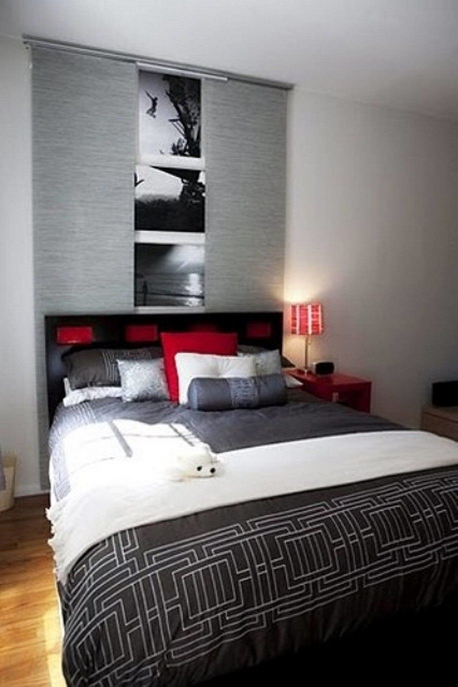 Lovely Black White Gray And Red Bedroom   White Bedroom Furniture Is Not As  Popular Today As It Was And That Is A Shame Because Of T