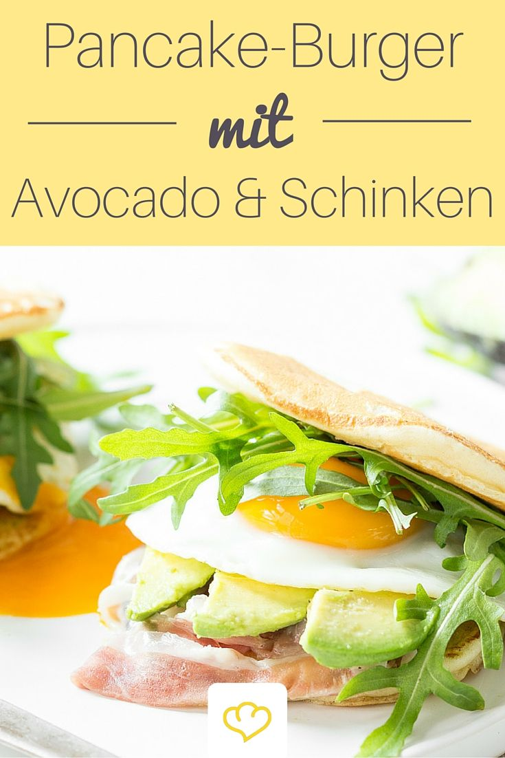 Frühstücksburger - Avocado, Spiegelei und Prosciutto zwischen zwei Pancakes. Doppeldecker deluxe! Der gibt dir die Energie, Bäume auszureißen oder was du sonst so vor hast ;)