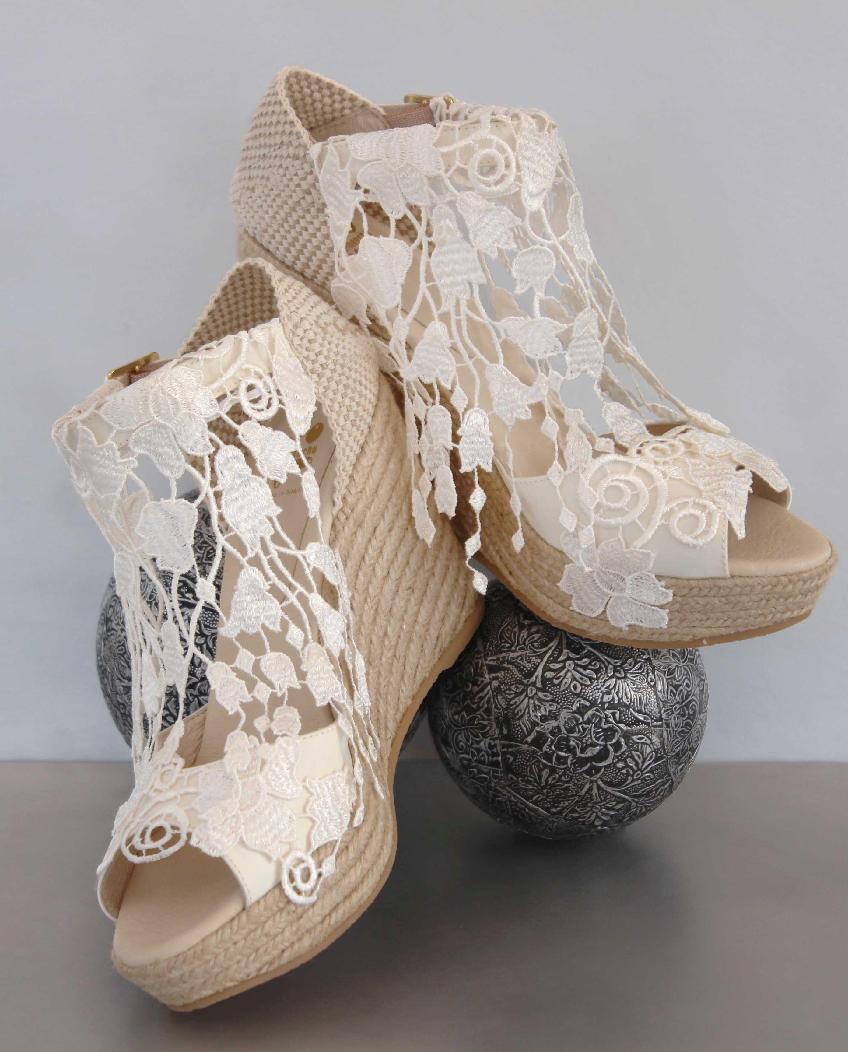 bf91a1bfa6 Carmenchu Shoes colección novias 2016. www.carmenchu.es. #bridalwedges # cuñas…