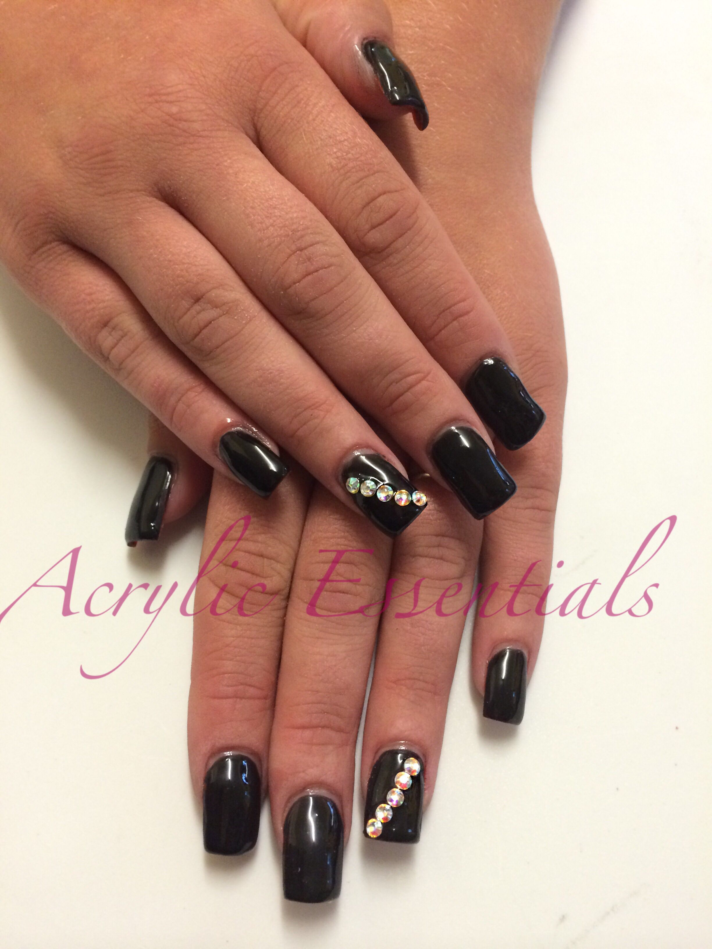 MOBILE NAILS Acrylic Nails! Full set from £20. Choose from French ...