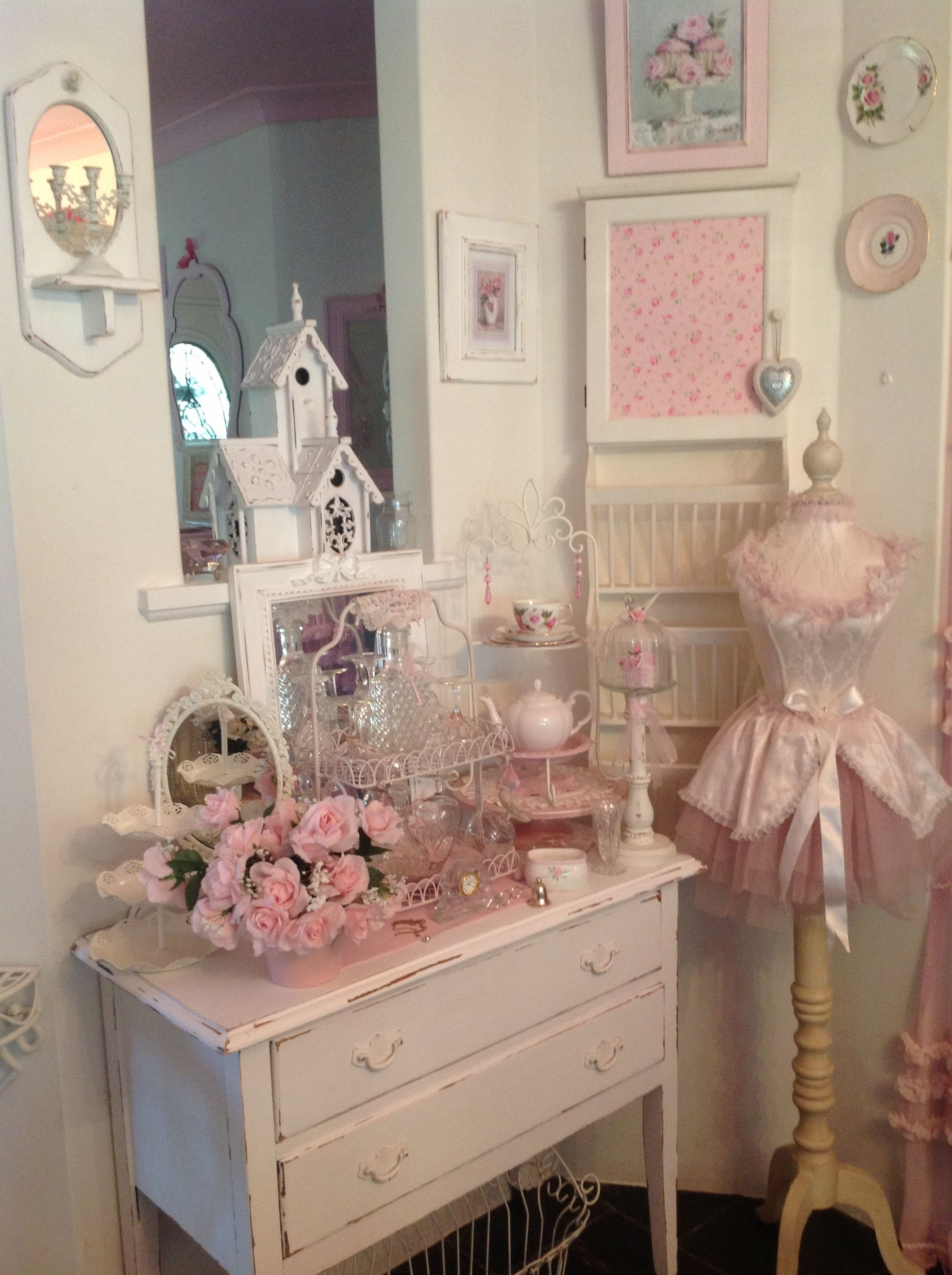 Shabby Chic Muebles My Shabby Chic Pink Palace 39s Home Vintage Shabby Chic