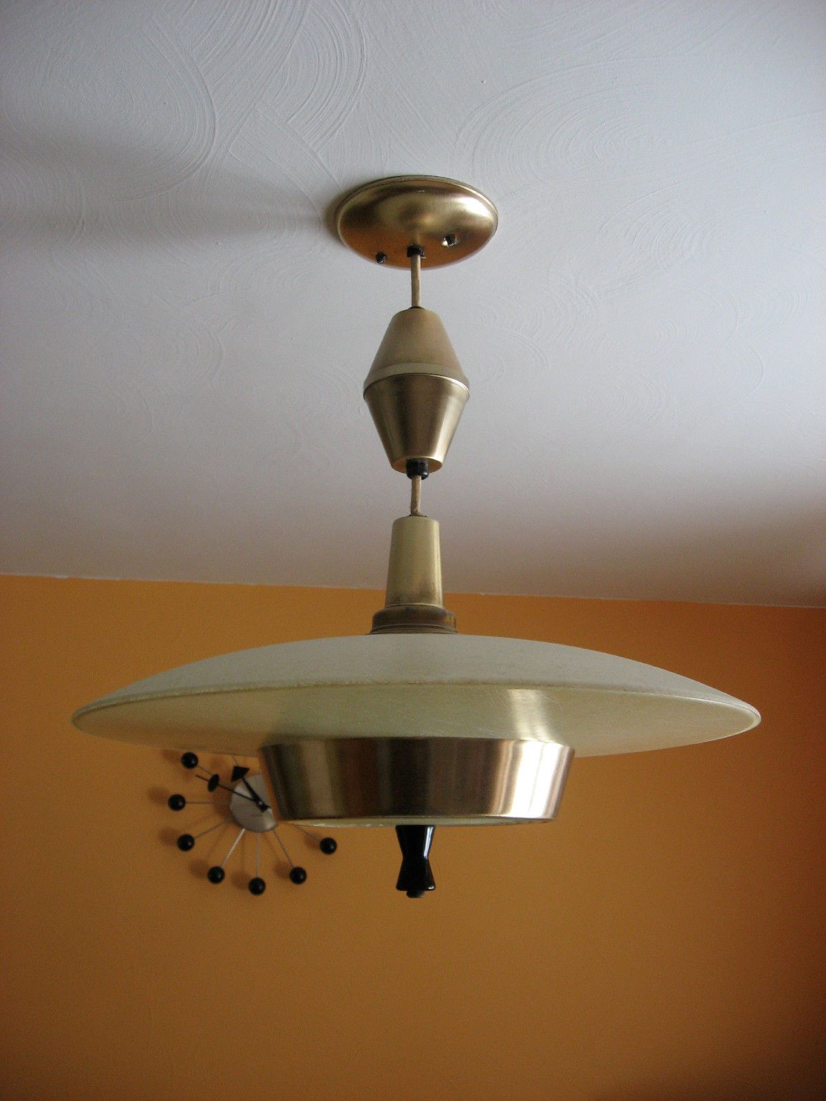 Vintage mid century modern atomic ufo fiberglass moe light pull vintage mid century modern atomic ufo fiberglass moe light pull hanging light ebay 150 arubaitofo Images