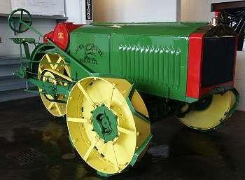 ancien tracteur John Deere