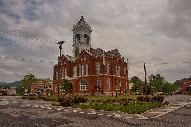 union-county-courthouse-blairsville-ga-photograph-copyright-brian-brown-vanishing-north-georgia-usa-2015.jpg (640×426)