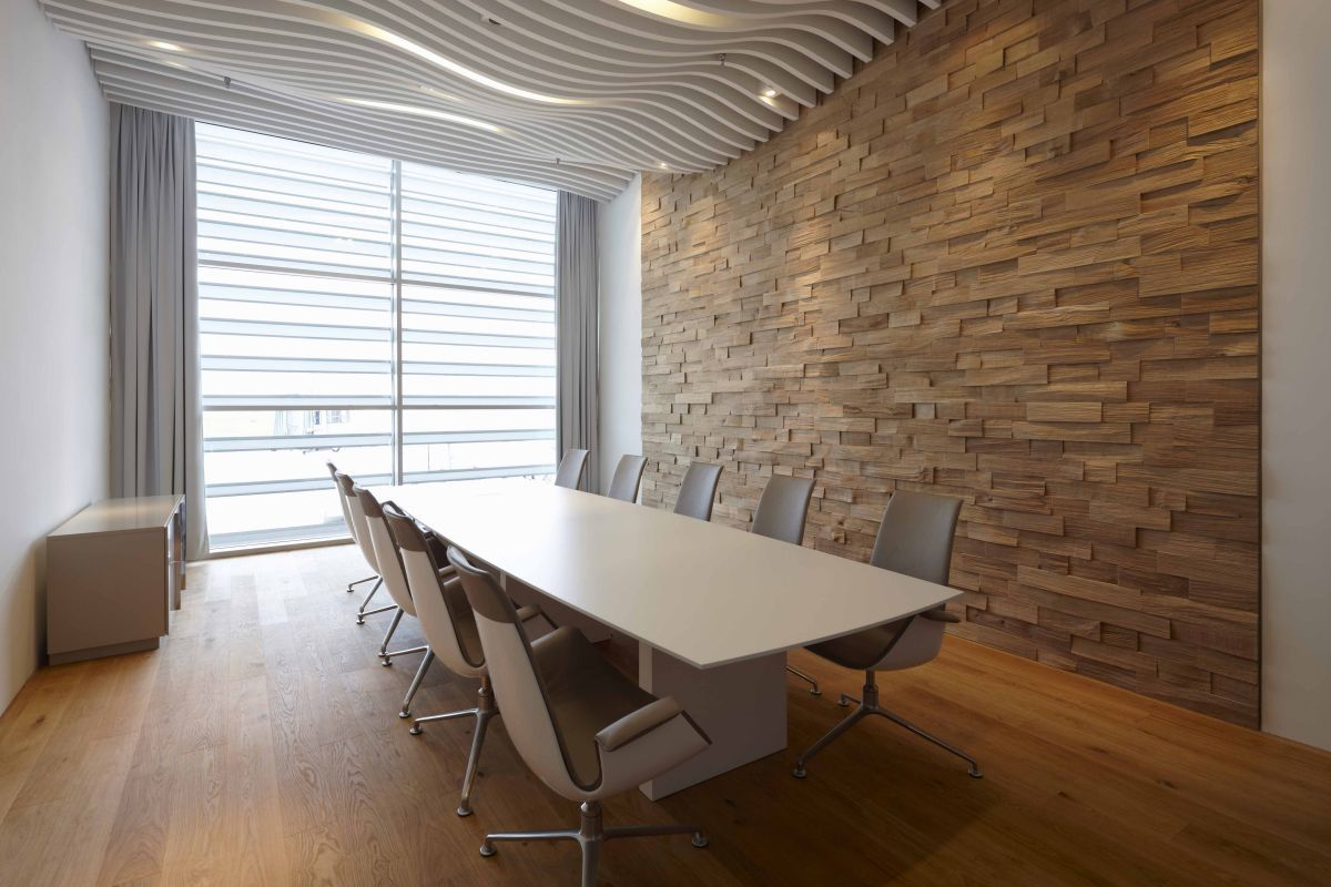 Stop Noise From Ruining Your Open Office Conference Room Design Meeting Room Design Modern Office Decor